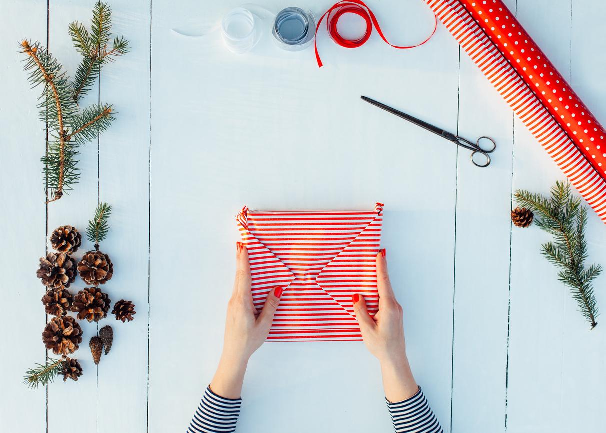 DIY pour de beau emballage de cadeaux de noel