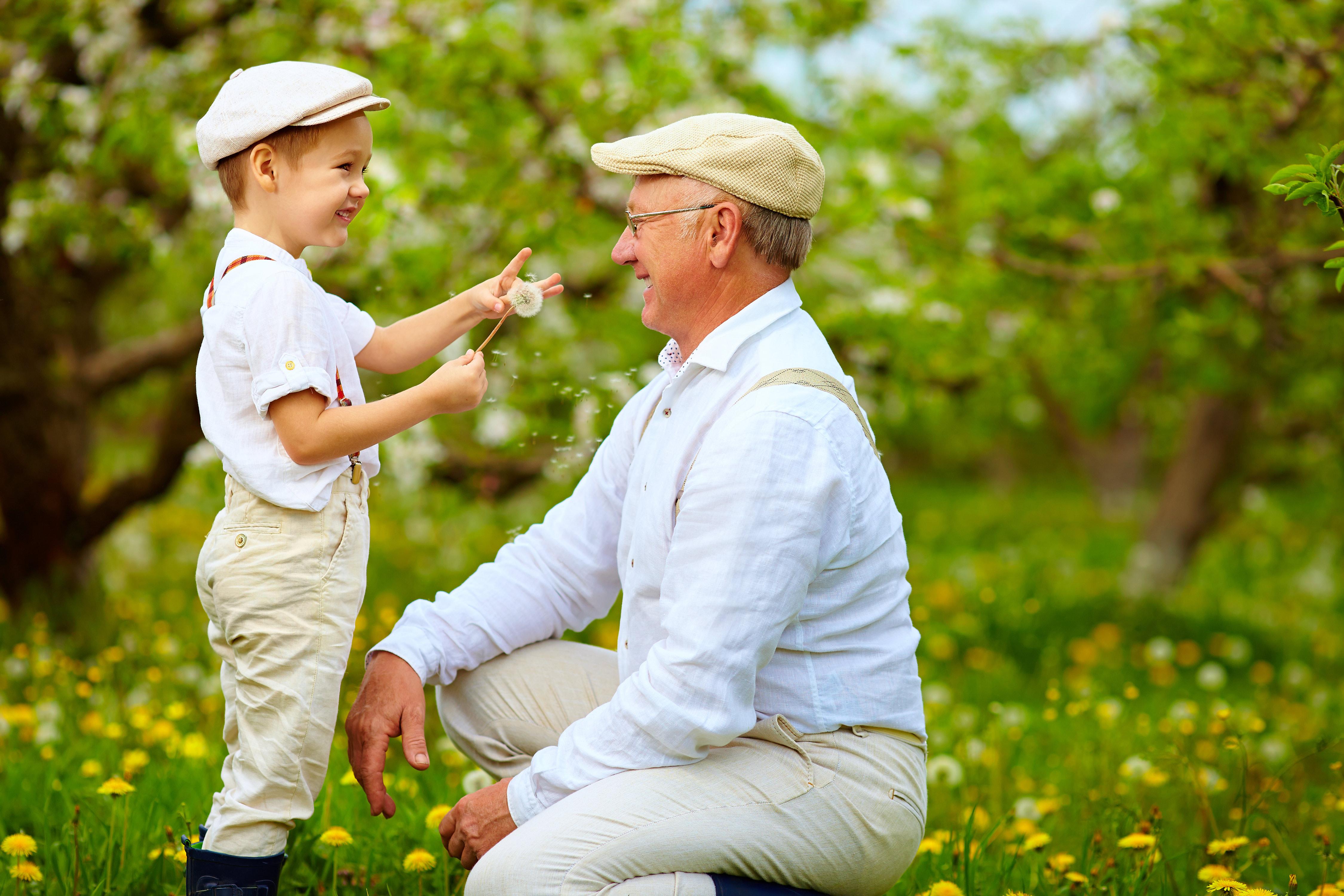 offrir un beau cadeau à son grand-père