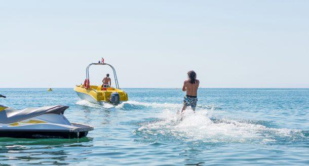 Vite une session d'adrénaline aquatique avant que l'été ne soit qu'un lointain souvenir