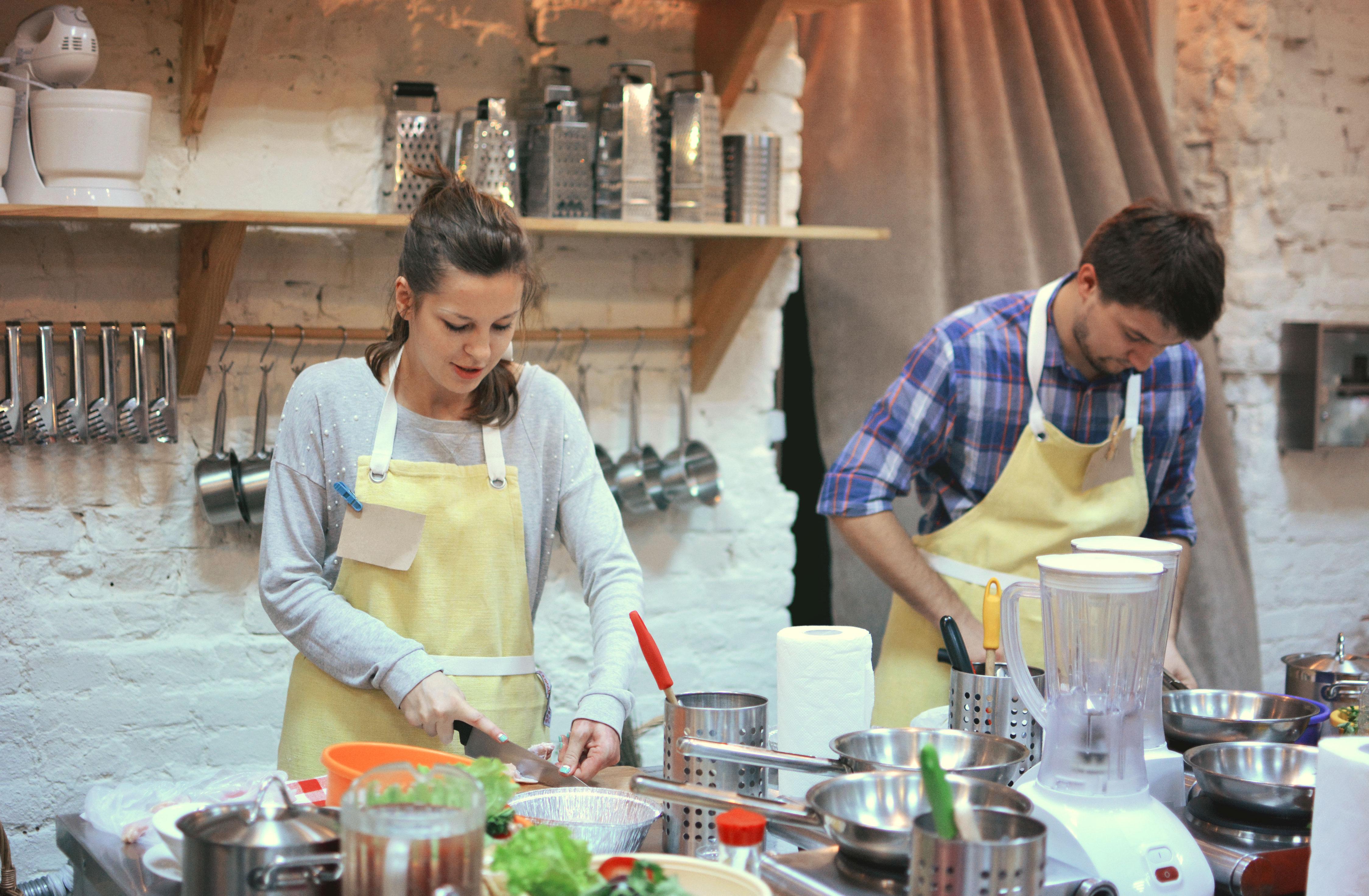 Offrir un cours de cuisine en couple