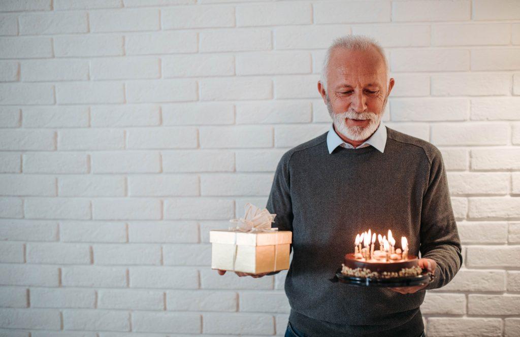 Croissant Idées cadeaux | Top 10 des meilleurs cadeaux de départ en retraite ! IT-55