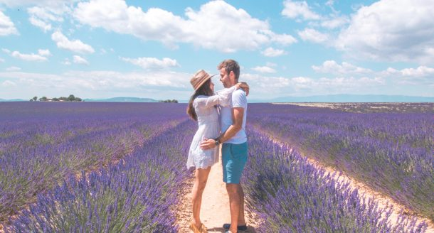 Vol en montgolfière & champs de lavande : une belle vidéo des Amoureux du Monde