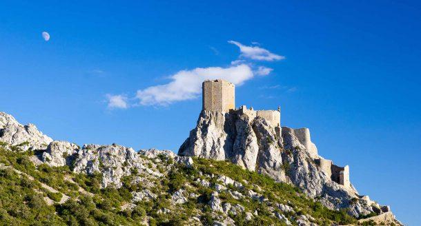 Zoom sur les Châteaux Cathares, entre découvertes culturelles et paysages éblouissants
