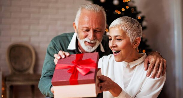 10 idées de cadeaux de Noël originales pour vos parents